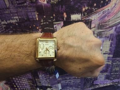 Мужские кварцевые часы SEIKO SNT010P1